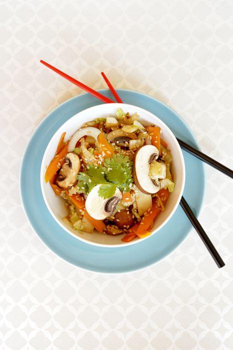 Wok à l'Asiatique, pousses de bambou, sauce soja et sésame