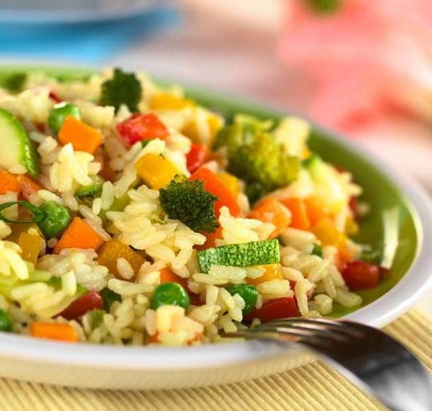 Salade de Riz aux Petits Pois, Brocolis et Poivrons
