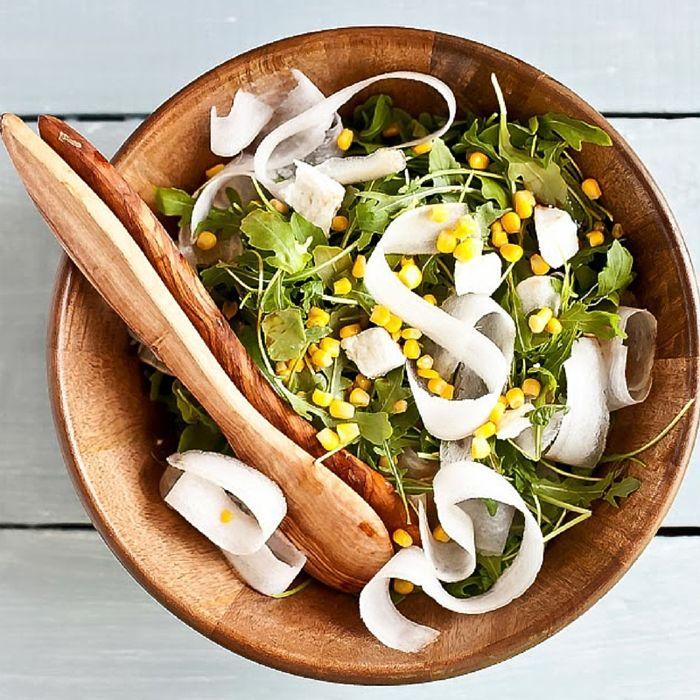 Salade de maïs, radis blanc et fromage de chèvre