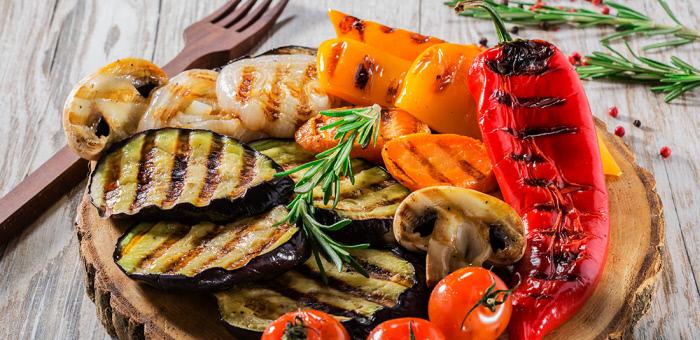 Imagen que contiene comida, tabla, alimentos, platoDescripción generada automáticamente